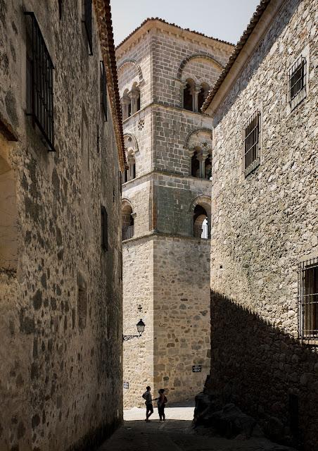 Torre reconstruida de la iglesia de Santa María la Mayor :: Canon EOS5D MkIII | ISO100 | Canon 17-40@40mm | f/5.6 | 1/160s