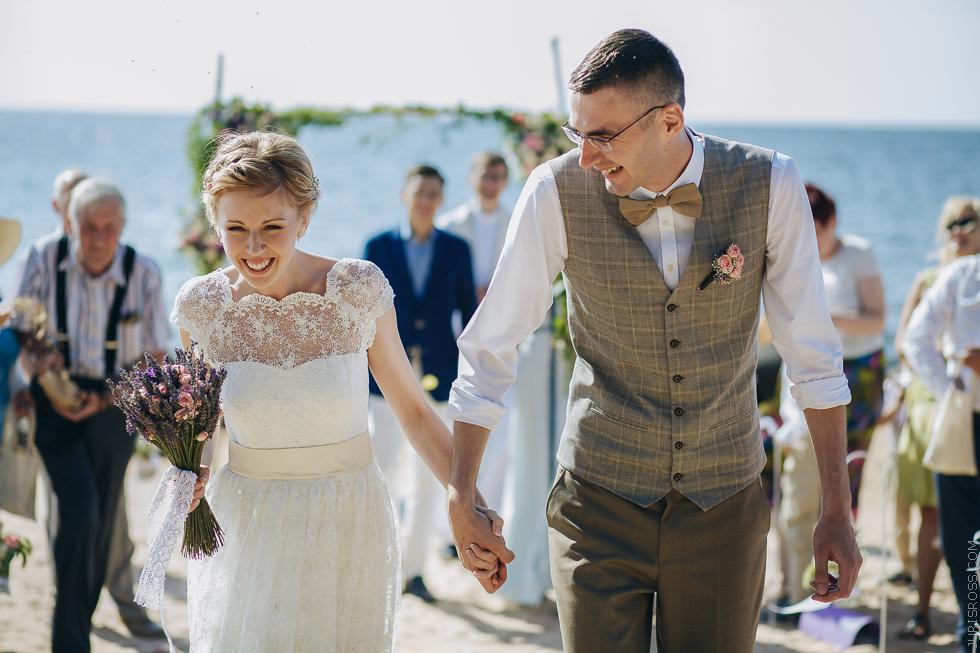 свадебная церемония у моря