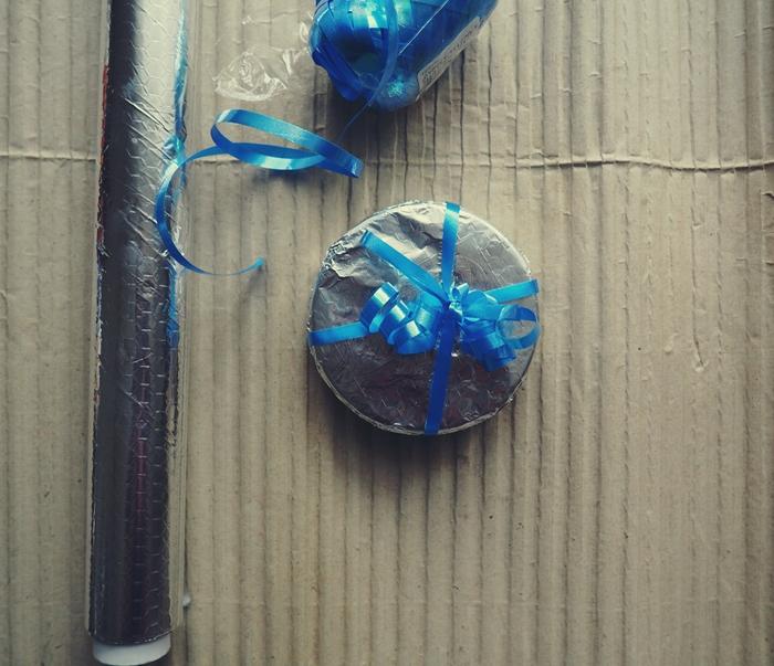 pakowanie prezentów materiałami dostępnymi w domu