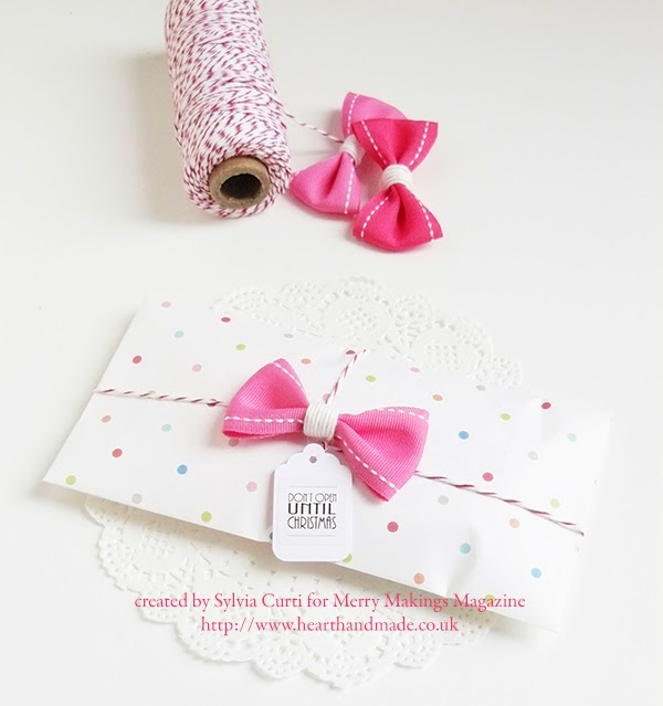 30 Christmas gift wrap ideas - polka dot and bows #merrymakings