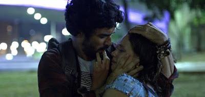 Geandro (Caio Blat) em cena da novela das nove da Globo com Lourdes Maria (Bruna Linzmeyer)