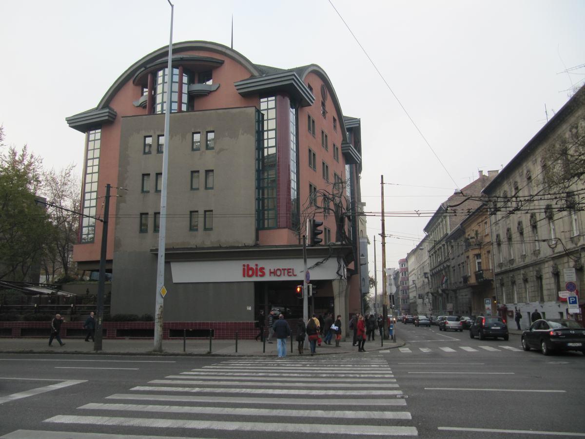 hoteles ibis, ibis plaza de los heroes, ibis heroes square