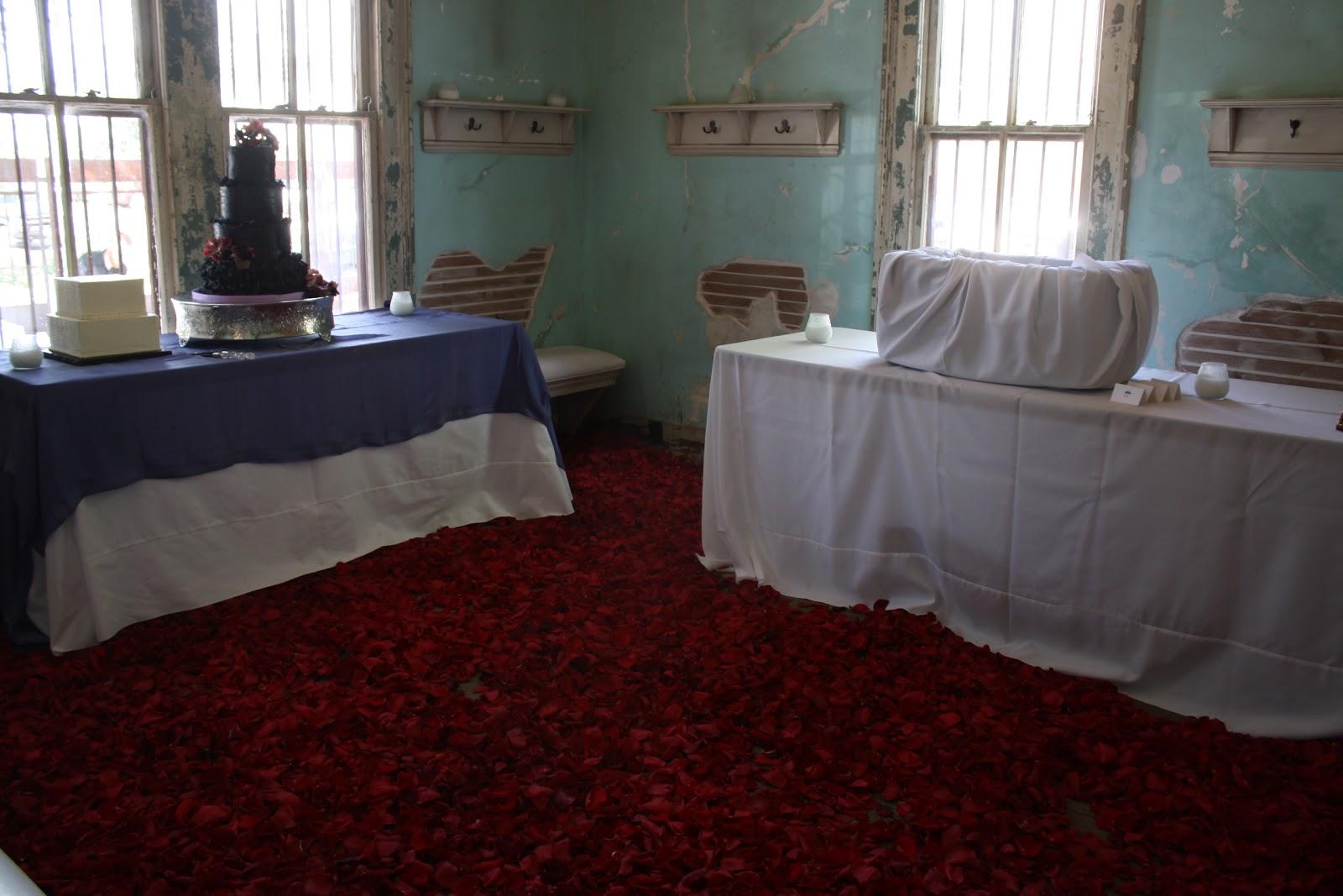 loretta flower ici tout est bon. Black Bedroom Furniture Sets. Home Design Ideas
