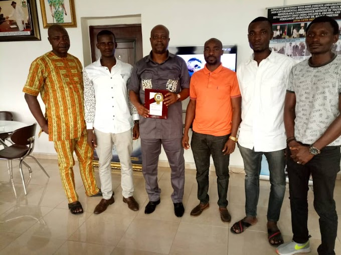 Chief Collins Cocodia Receives Award As most Youth Supportive Commissioner in Bayelsa State