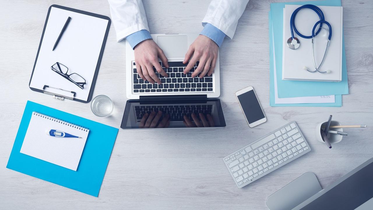 lekarz leczący niepłodność