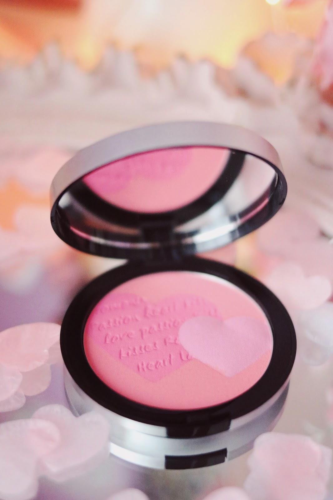 rosemademoiselle-rose-mademoiselle-kiko-milano-matte-for-you-collection-2017-concours-calendrier-de-l'avent-saint-valentin-avis-revue-blog-beauté-paris