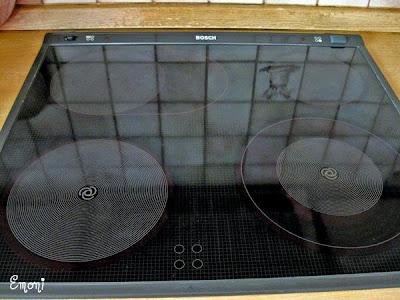 monis k chentipps cerankochfelder reinigen und pflegen. Black Bedroom Furniture Sets. Home Design Ideas