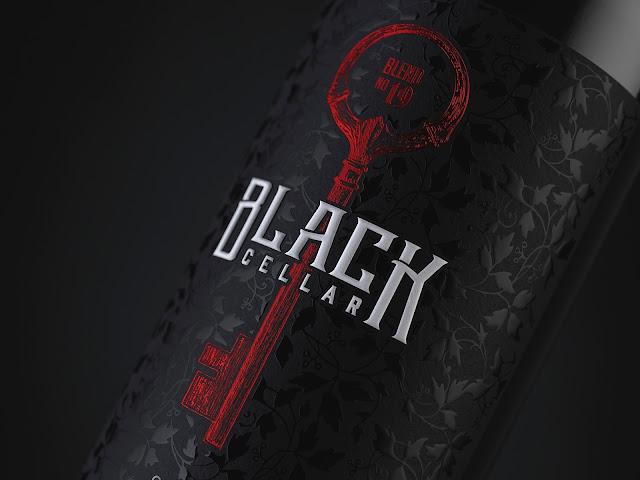 packaging-vino-premium-Black-Cellar-estilo-gótico-misterioso-oscuro