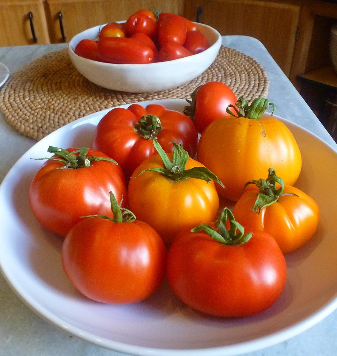 living the life in saint aignan salade de tomates. Black Bedroom Furniture Sets. Home Design Ideas