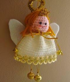 http://amigurumilacion.blogspot.com.es/2014/10/angel-amigurumi-patron-libre.html