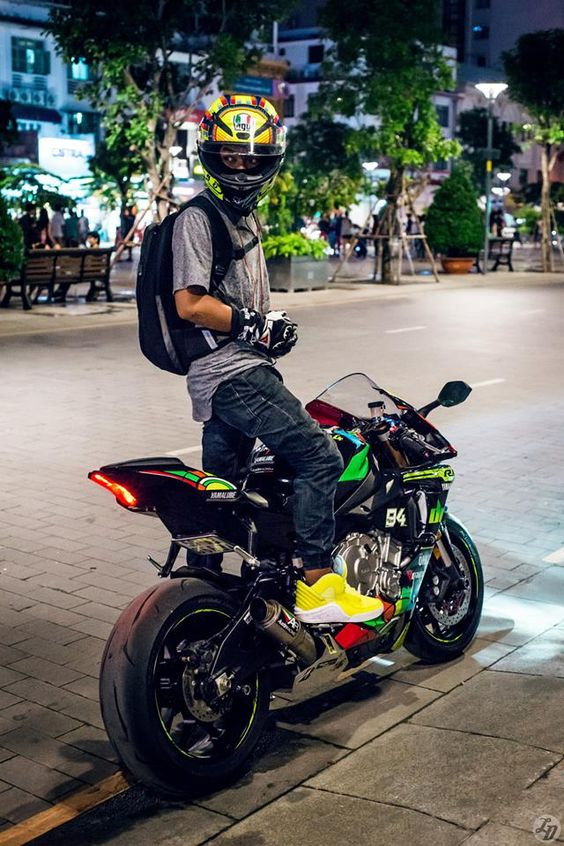 R1 Style