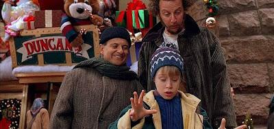O filme Esqueceram de Mim, de 1990, com Macaulay Culkin, é um clássico da TV na época do Natal
