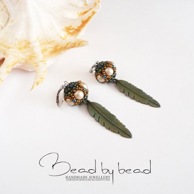 kolczyki beaded bead z piórkami | beaded bead earrings