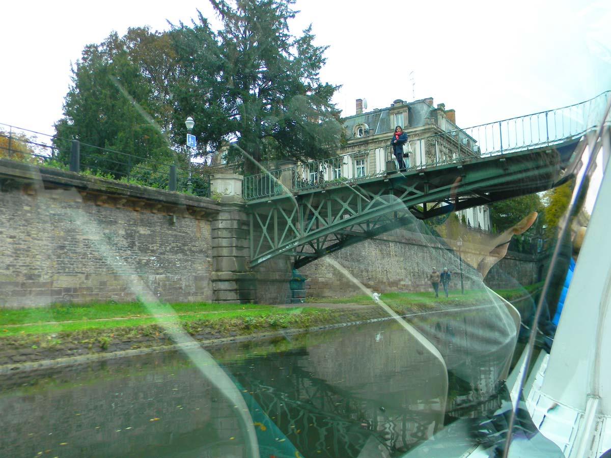 Strasbourg en automne, l'Ill, Bateau Batorama