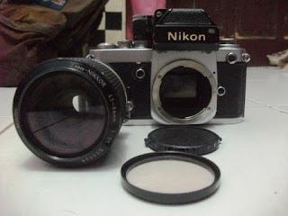 F2 satu set dengan lensa