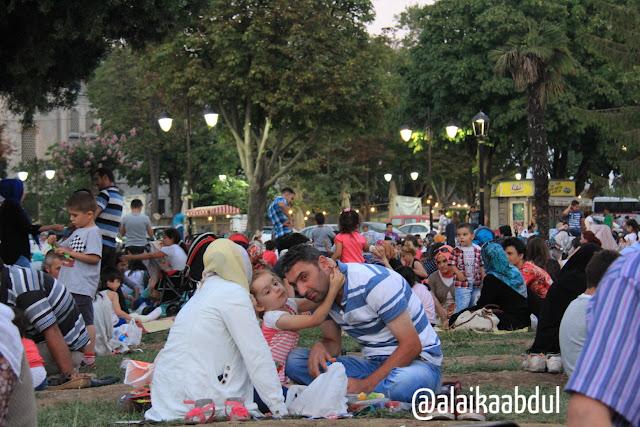 buka puasa di taman istanbul
