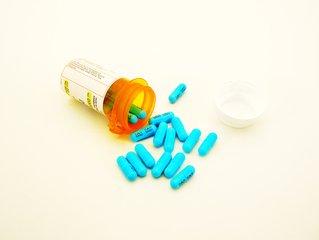 Bacitracina medicamentos