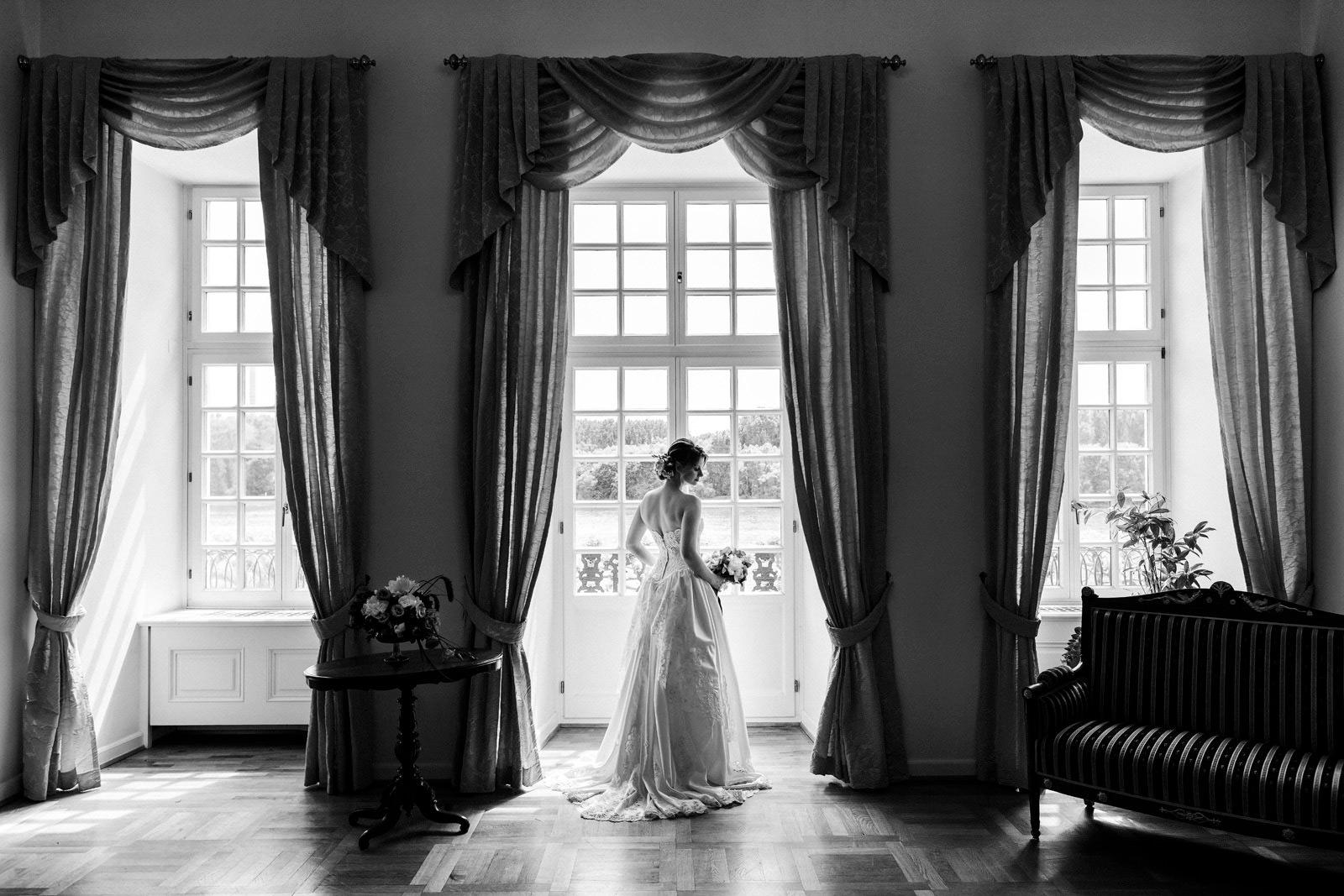 Hochzeitsfotos im Schloss Biebrich in Wiesbaden.