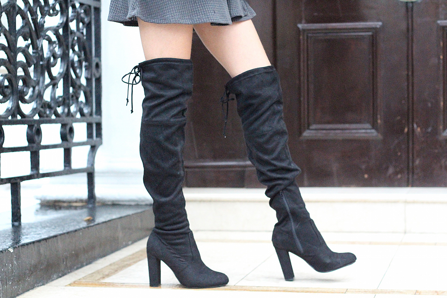 over the knee boots chockers shoes