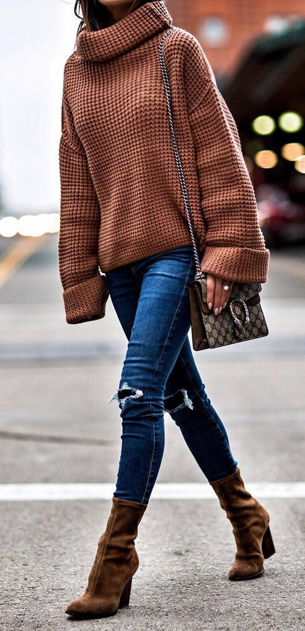 ootd | knit sweater + bag + boots + rips