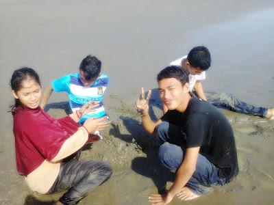 """""""Azimul, Nurul, Arief, Dayat di Laut Kuburan Cina, Benteng, Sigli"""""""