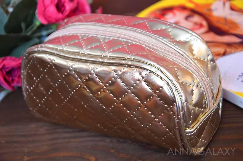 c1a63d8b441c Косметичка женская «Золотое плетение» я решила взять для того, чтобы носить  с собой в своей маленькой сумочке. Она для этих целей прекрасно подошла.