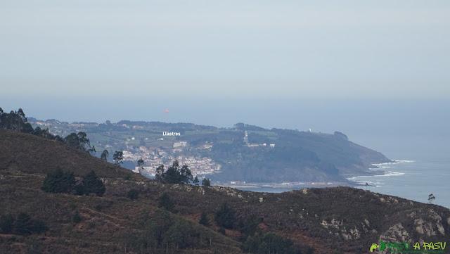 Vista de Llastres desde Peña Pagadín