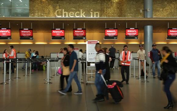 Consejos Para Viajar En Avión Sin Molestias: Consejos Para Viajar En Avión Para Fin De Año