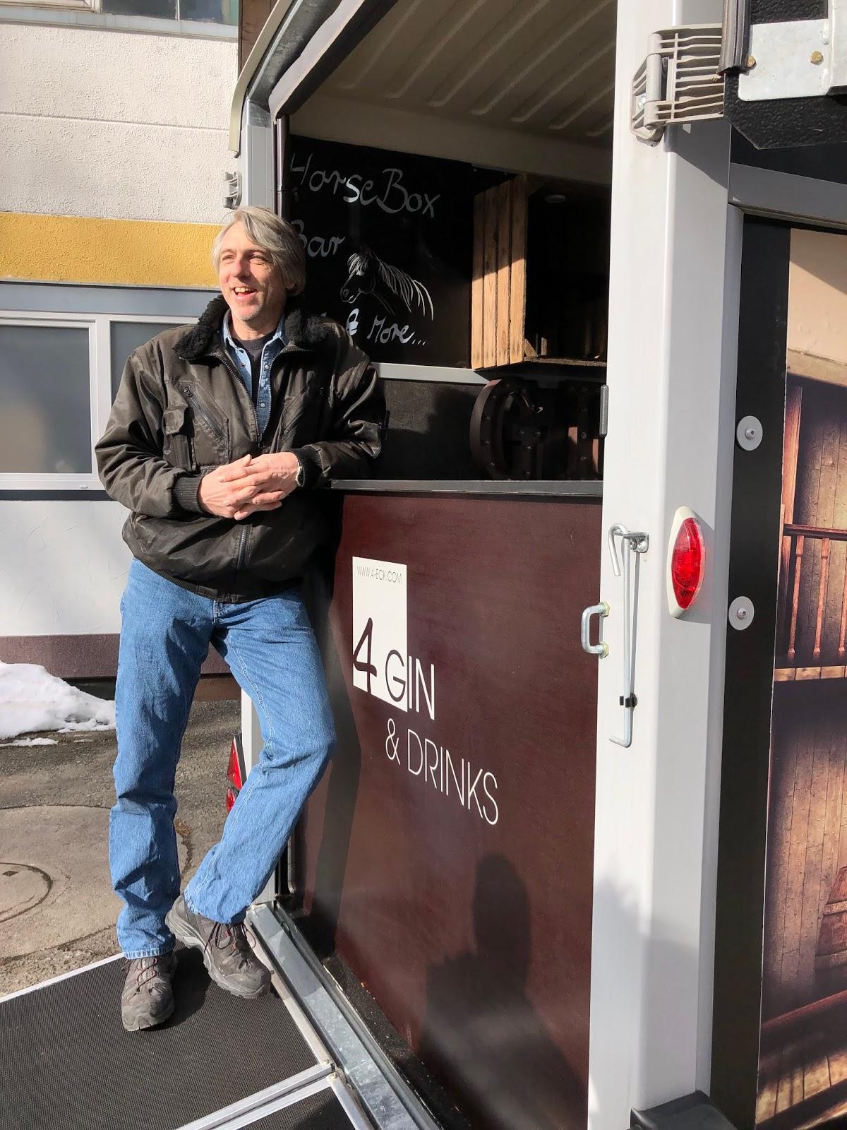 Konstrukteur Michael Dahl, 4 Gin and Drinks, Horseboxbar, Event-Bar, mobile Bar, Bayern, Garmisch-Partenkirchen, Gin-Bar, Oberammergau, König-Ludwig-Lauf