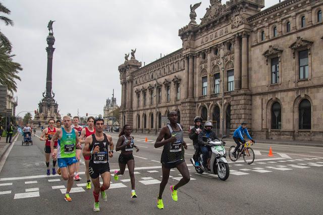 Leonard Kipkoech y Florence Kiplagat vencen en la eDreams Mitja Marató de Barcelona 2017