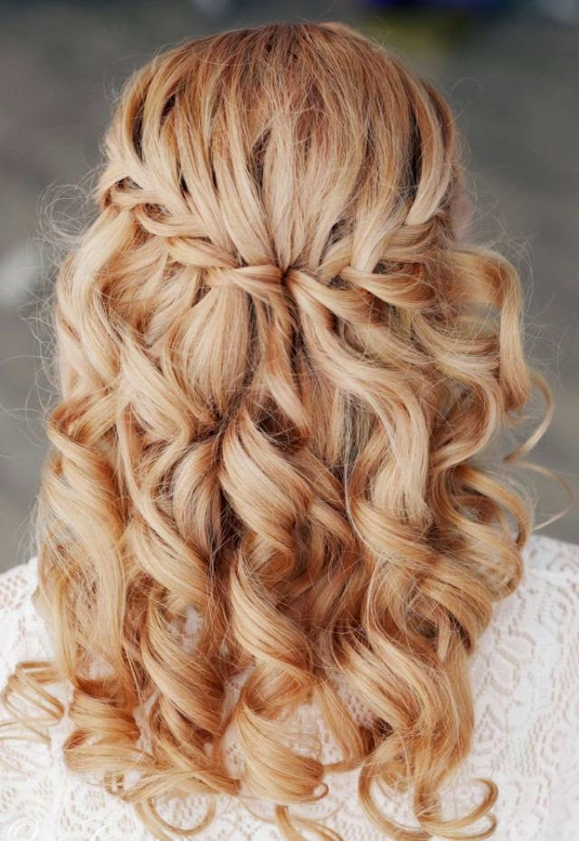 CREATIVE AND UNIQUE WEDDING HAIRSTYLE IDEAS}
