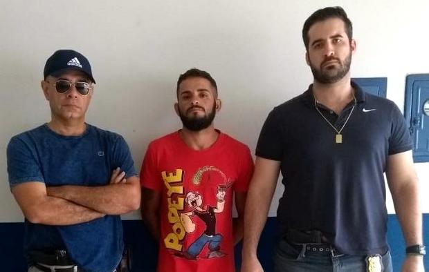Polícia cumpre mandado de prisão em Taquaritinga do Norte