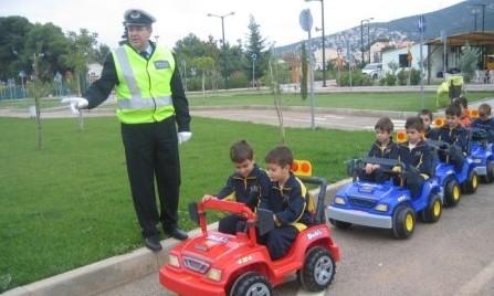 kykloforiaki3 Βάλτε μάθημα κυκλοφοριακής αγωγής στα σχολεία!