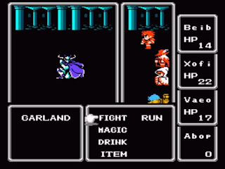 Captura de pantalla con la lucha con el malvado jefe final Garland en Final Fantasy 1987