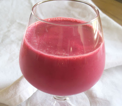 Beet and Strawberry Vanilla Smoothie