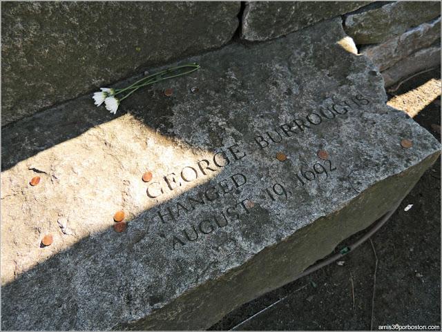 Tumbas Brujas Salem:George Burroughs - Ahorcado