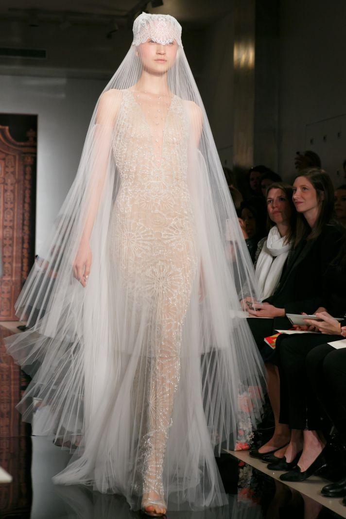 Атласні сукні вже давненько були призабуті дизайнерами і швидше були  доповненням в модельному ряді. Але цьогоріч вони стали центральним об єктом  весільних ... 7b4e1990ac932