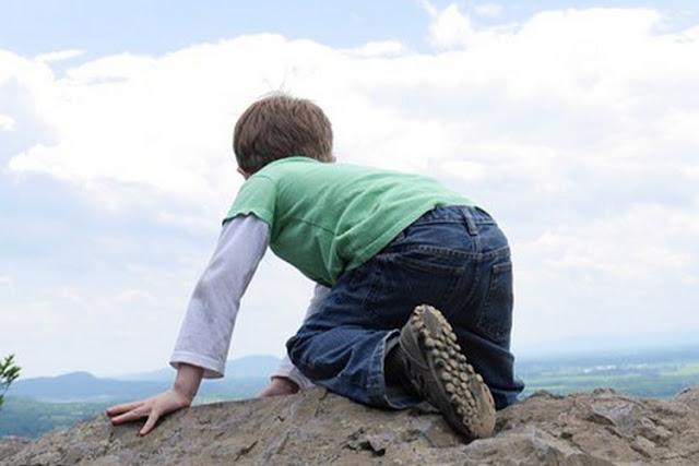 Ampuh! Tips Mendidik Anak Laki-Laki Agar Mandiri dan Sukses