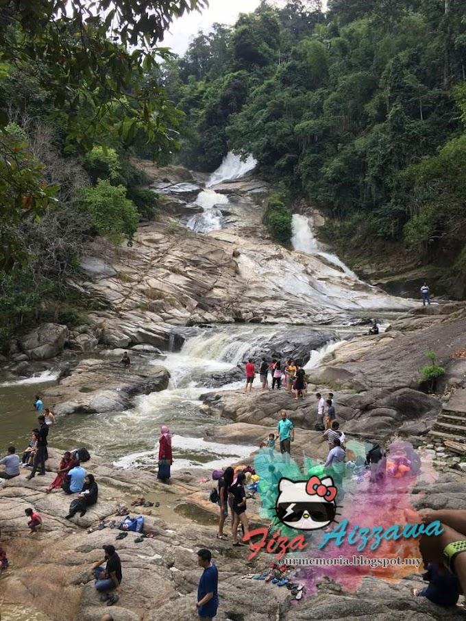 Berkelah di Air Terjun Chamang