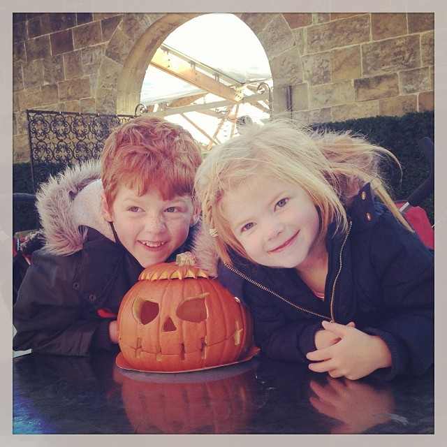 What's on in the North East - Halloween 2016 - Pumpkin carving at Alnwick Garden