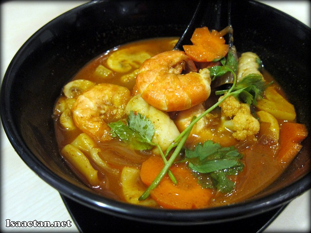 Chicken Tomyum Soup with Rice - RM9.90