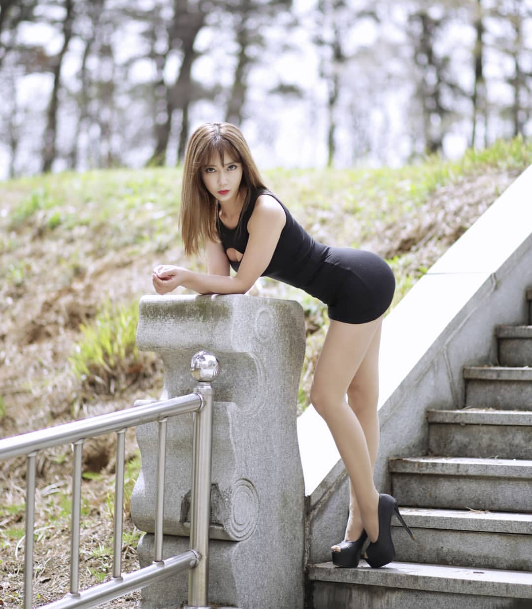 Random photos of girls in doggy position wearing dresses