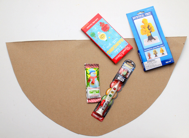 DIY Giant Ice Cream Cone Gift Wrapping (Such a fun way to wrap Christmas and Birthday gifts!)