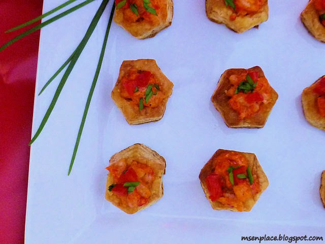 Easy, Creamy Shrimp & Roasted Pepper Puffs
