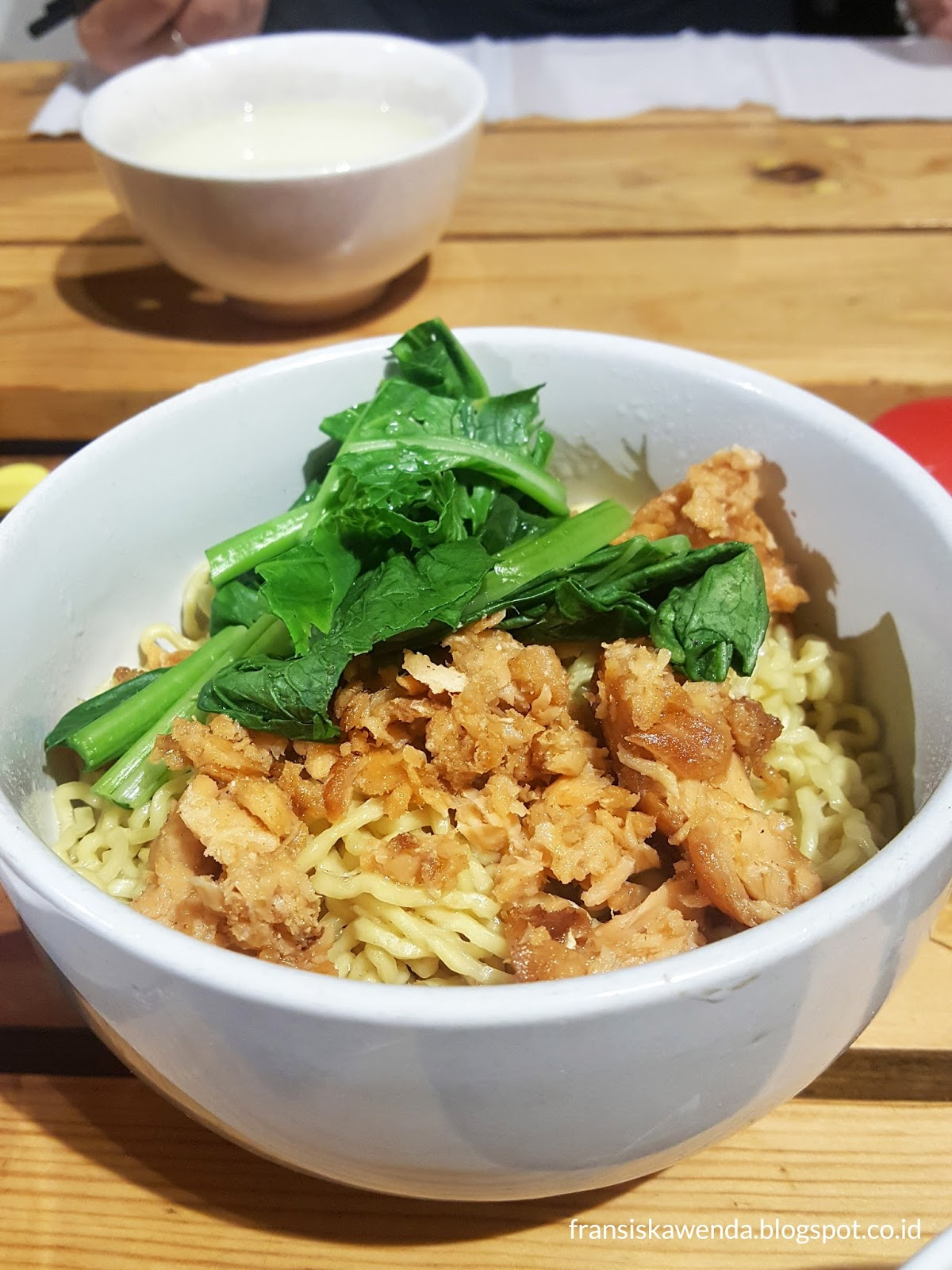 Ncek Legenda Noodle Bar Kelapa Gading Review Fransiska Wenda Blog Sabun Natural Scrub 110gr Orchid Curly With Smoked Salmon Idr 29000 It Served Chicken Broath Soup For The Topping Saltiness Is Fit To My Taste