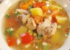 Cara membuat sop ayam spesial lezat