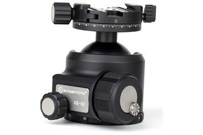 Sunwayfoto DDH-03 on XB-52 Ball head back view