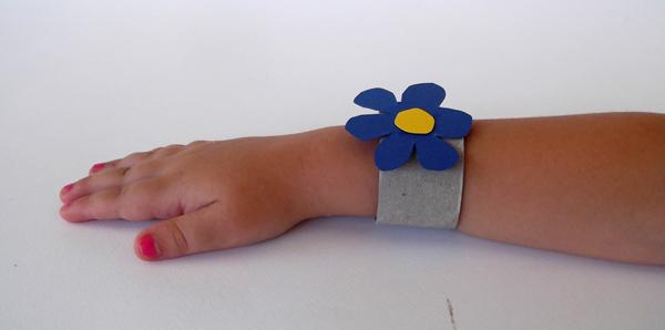 βραχιόλι, χειροτεχνίες για παιδιά, χειροτεχνίες από ανακυκλώσιμα υλικά, κατασκευές από ανακυκλώσιμα υλικά