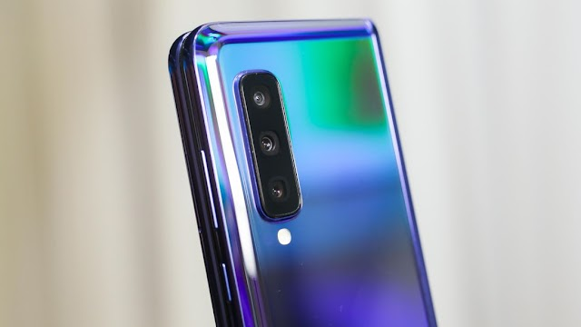 What are the biggest problems with new phone Galaxy Fold?