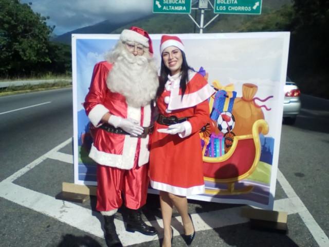Un Santa Claus comenzó a matar tigritos en la Cota Mil